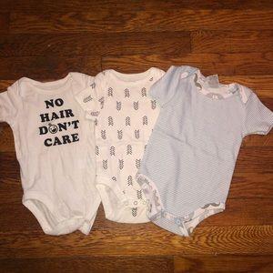 Baby 3 piece onesie bundle. Size 0-3 months